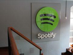 Spotify : la plateforme visée par une plainte à 1,6 milliards de dollars