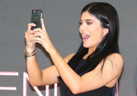Kylie Jenner se plait de Snapchat sur Twitter